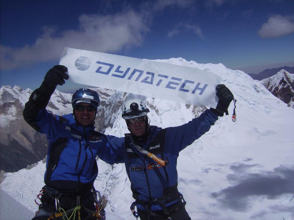 RAUL MARTINEZ Y ADRIAN UCLES ON THE ALPAMAYO SUMMIT(5.947 m)